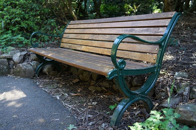 Most Important Tips for Building an Outdoor Garden Bench 2