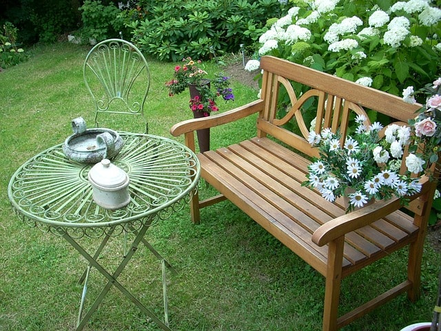 Most Important Tips for Building an Outdoor Garden Bench 1