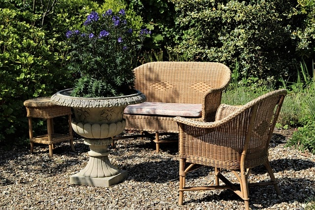 Most Important Tips for Building an Outdoor Garden Bench 6