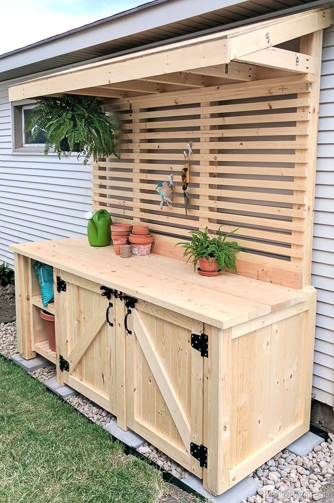 A Simple Guide to Making a Potting Bench from Pallets [DIY] 8