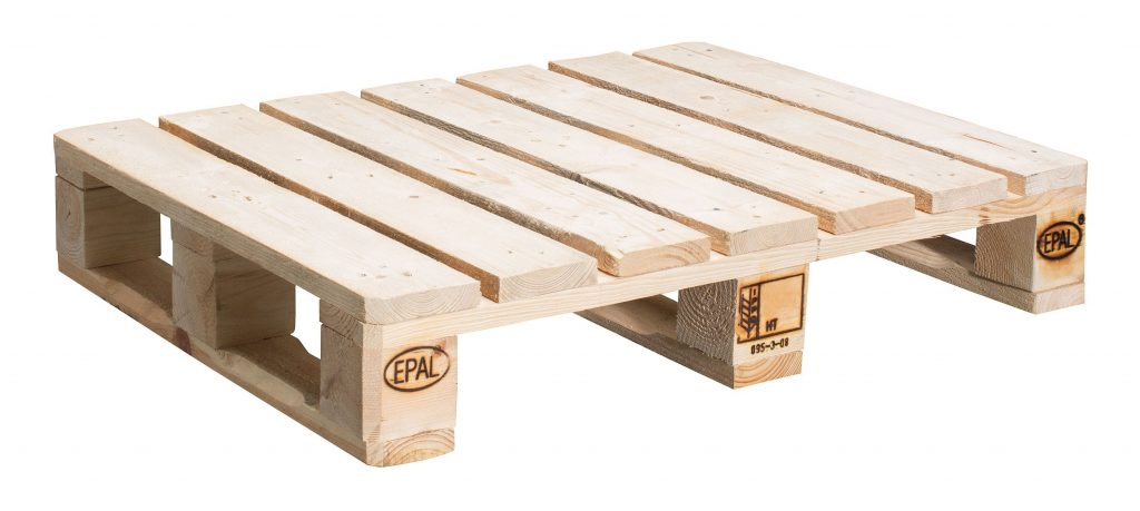 A Simple Guide to Making a Potting Bench from Pallets [DIY] 3